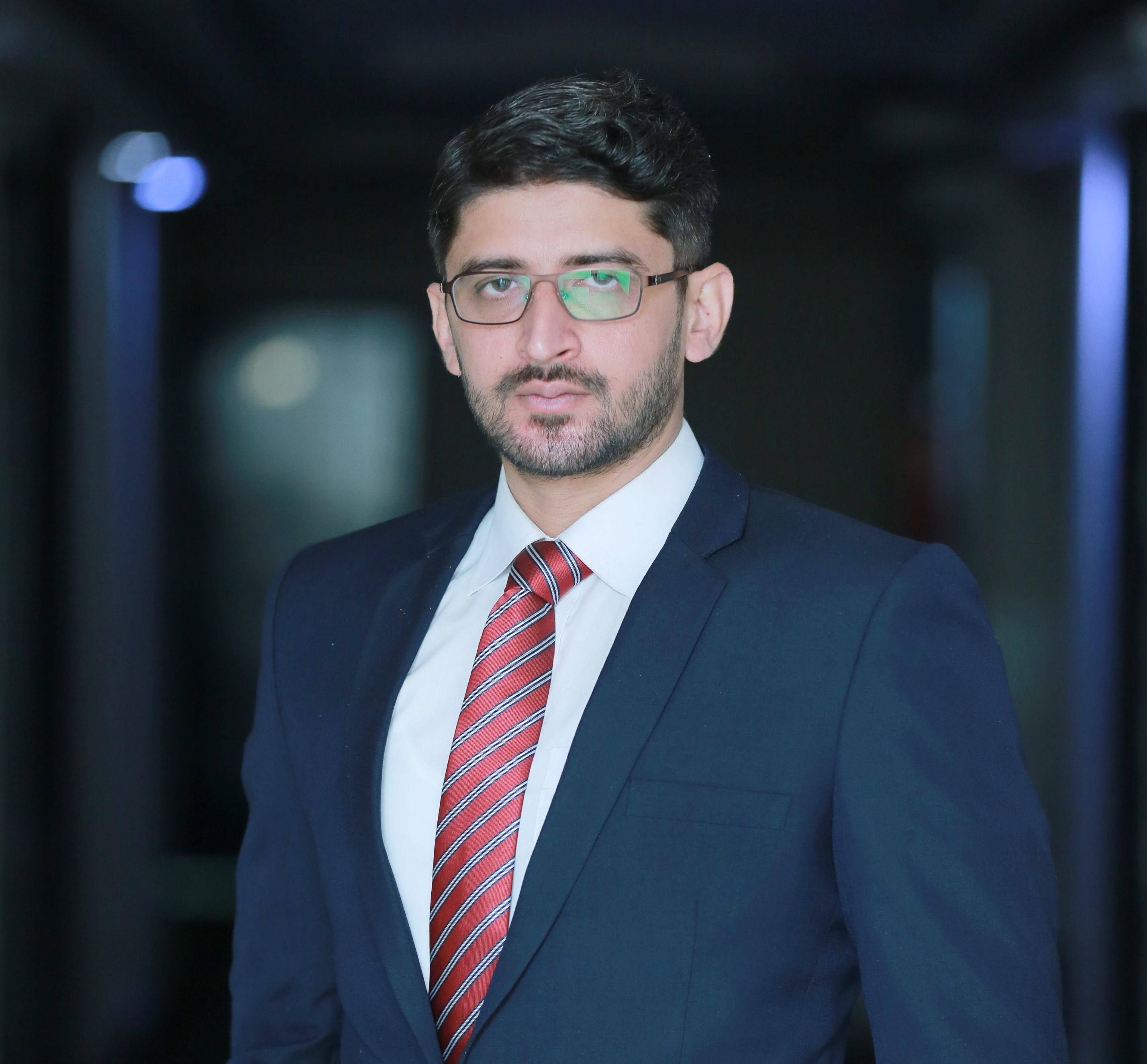 Dr. Moeenuddin Tariq